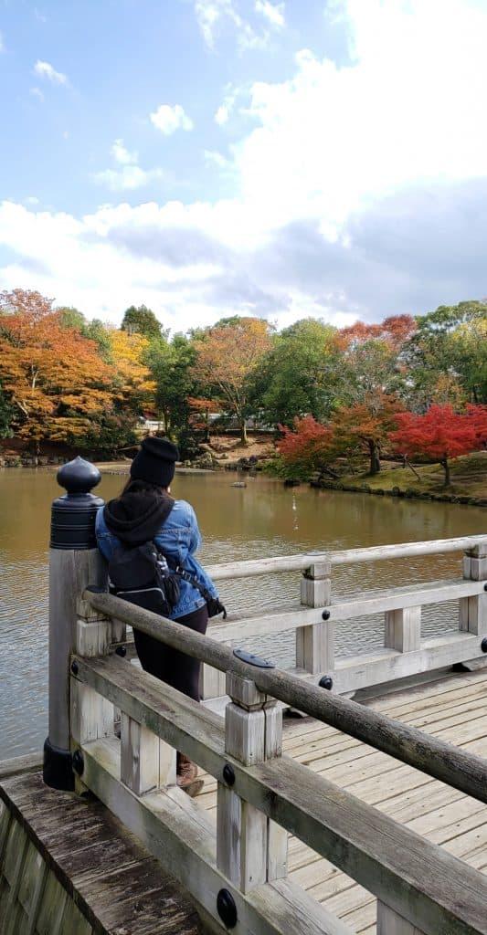 Ann with Ukimido scenery